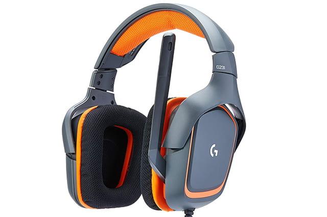 el logitech es uno de los mejores auriculares para pc gamers que puedes adquirir este año, cuenta con un buen sonido y materiales resistentes
