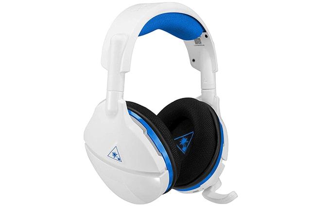 los auriculares Turtle Beach Stealth 600 para consolas playstation 4 son los mejores en calidad precio, ademas ofrecen un sonido envolvente virtual excelente, ampliamente recomendados para comprar